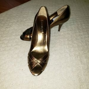Bandolino bronze heels Offers accepted